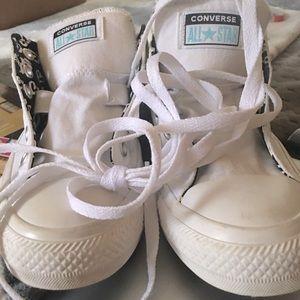 Chucks white converse